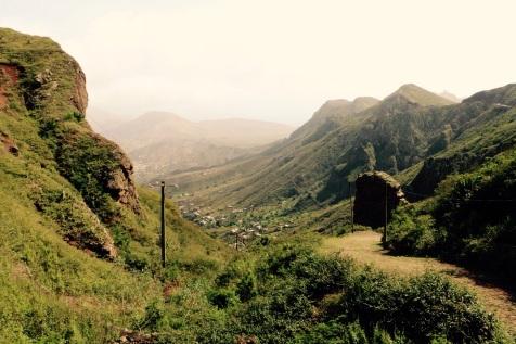 Sao Nicolau avec Ribeira Brava dans le fond de la vallée